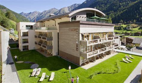 hütte in den alpen design in den alpen hotel bergland s 246 lden 214 sterreich