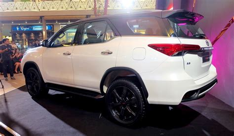 Ring Fogl Fortuner Model Trd 2016 toyota fortuner trd sportivo rear quarter launched in thailand indian autos