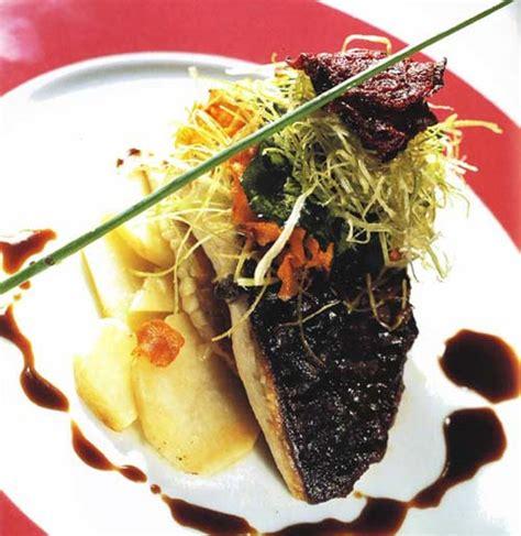 como cocinar rodaballo al horno cinco recetas para disfrutar de un delicioso pescado al horno