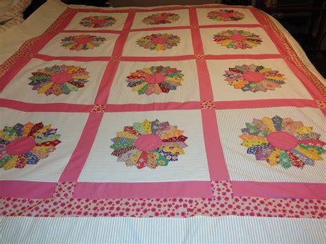 Dresden Plate Quilt Patterns by Wren S Nest Dresden Plate Quilt Top Completed