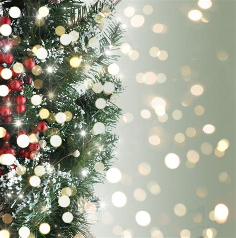 christmas tree background with bokeh lights photo free