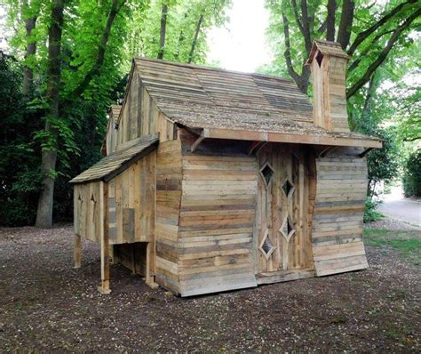 Pallet Cabins by Pallet Cabin Built For Cabins Exhibition 101