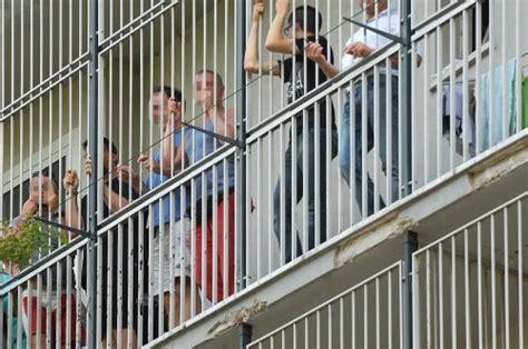 casa di cura parco dei tigli 171 chiusi in gabbia come scimmie 187 scoppia la