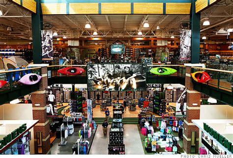 www dickssportinggood dick s sporting goods pulls rifles shelves nationwide