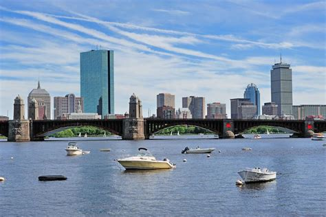 charles river boat rental 20 wellcraft boat evening cruise boston harbor boat rentals