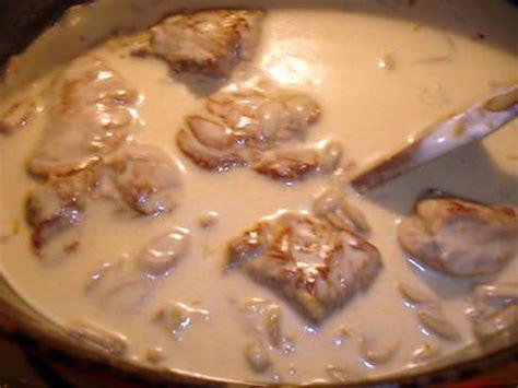cuisiner un filet mignon de porc en cocotte recette de filet mignon a la moutarde et muscat