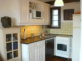 Decor Ideas For Small Kitchen by Kitchen Ideas For Small Kitchens On A Budget Marceladick Com