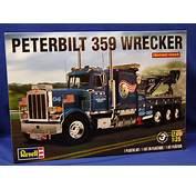 124 Revell USA Peterbilt 359 Wrecker Tow Truck  RM1508