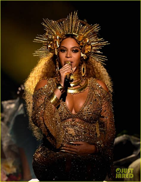 beyonce coachella beyonce cancels coachella 2017 performance on the advice