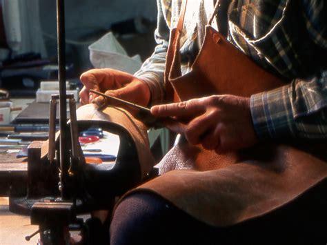 crisi marche aumentano le imprese nelle marche ma l artigianato si