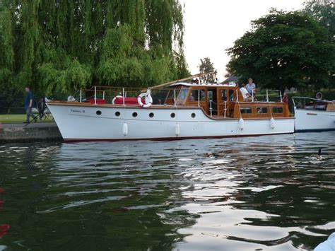 thames river boat holidays 19 best images about boating holidays on the river thames