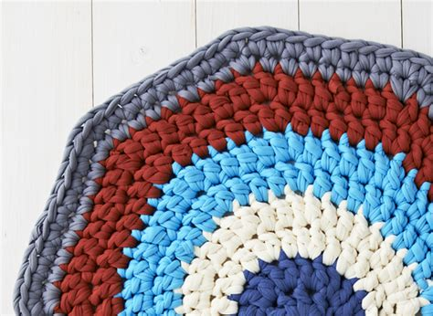 how to crochet a rag rug step by step free crochet patterns how to make a crochet rug mollie makes