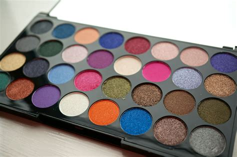 Makeup Revolution makeup revolution ultra 32 eyeshadow palette review