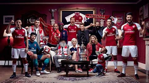 arsenal f c colouring book 2017 2018 the unofficial arsenal football club colouring book soccer football club colour therapy for adults children seniors books arsenal shirt thuis 2017 2018 soccerfanshop nl