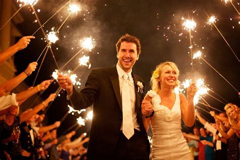 Best Size Sparklers for a Sendoff Line   Wedding Day