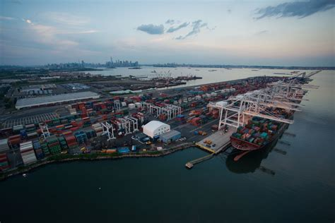 new york port port of new york and new jersey longshoremen to return to