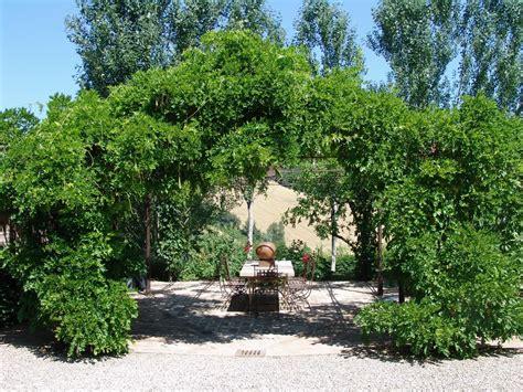 giardino country giardino stile country giardini paghera