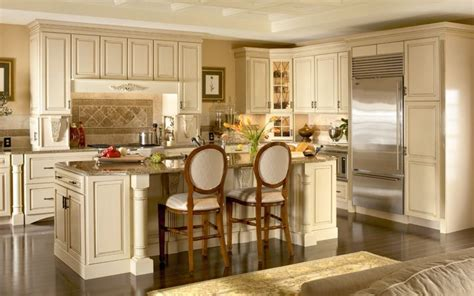 Kraftmaid White Kitchen Cabinets Kraftmaid Dove White Hartwell Cabinets Kitchen Remodel Traditional Cabinet