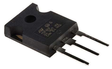 transistor npn hfe 100 tip142 stmicroelectronics tip142 npn darlington transistor 10 a 100 v hfe 500 3 pin to 247