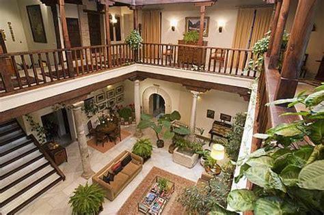 cobertizo in spanish 10 fabulosos patios de interior de estilo colonial