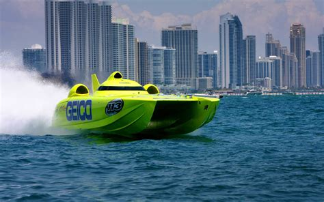 fast boats crashing miss geico racing miss geico offshore race team