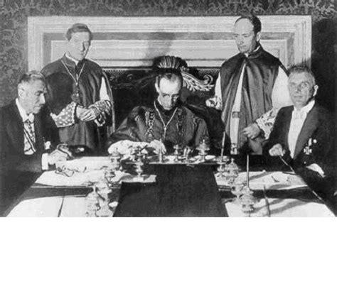bibbia santa sede nazisti e vaticano studio della parola di dio quot foto
