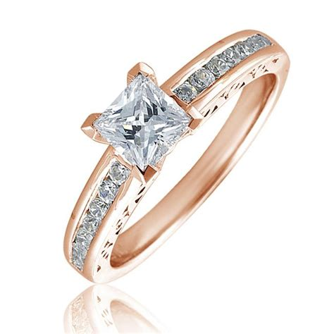 princess cut solitaire ring with 14 brillant