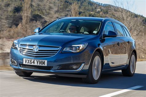 opel insignia uk vauxhall insignia whisper diesel 2016 review auto express