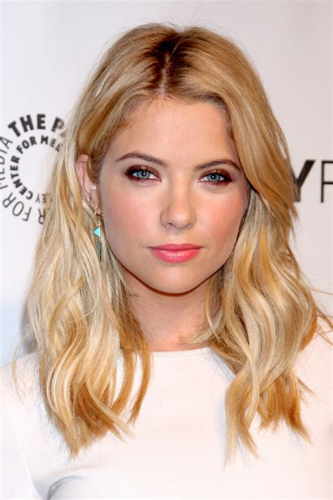 hairstyles for hair down to your shoulders celeb inspired super chic shoulder length haircuts