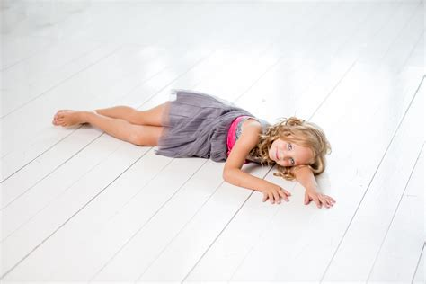 Lay On The lay on the white floor domain free photos for