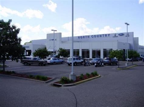 North Country Ford Lincoln car dealership in Coon Rapids