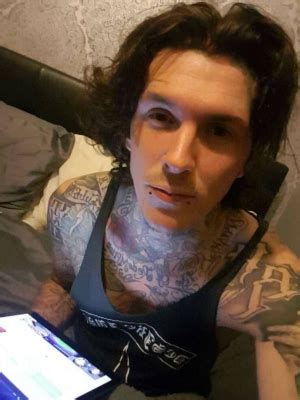 tattoo fixers martyn hett tattoo fixers star martyn hett dead after manchester