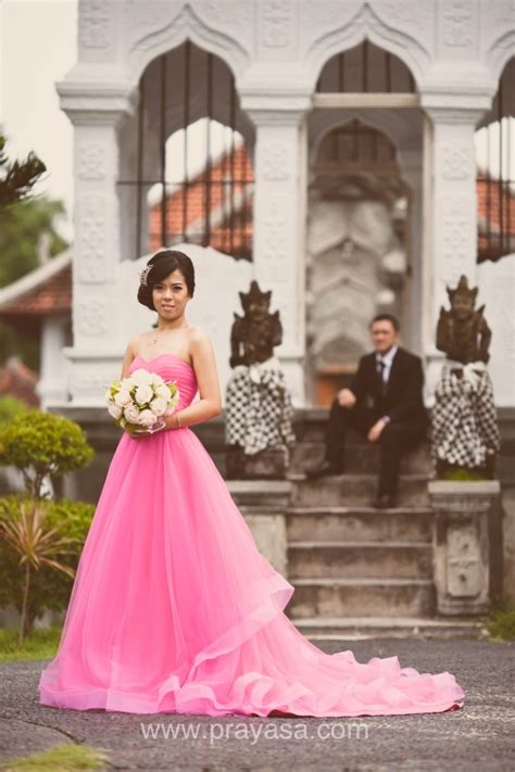 koleksi foto gaun pengantin bali pre wedding fotografer wedding photographer prayasa