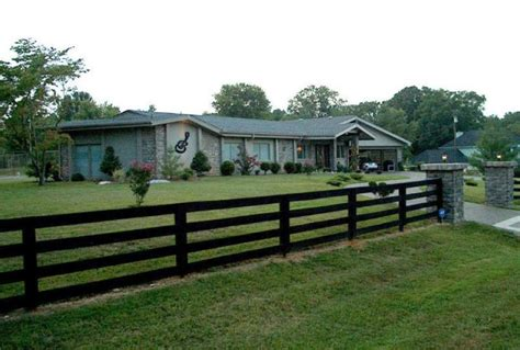 june home johnny cash s home for sale 13 880 sq ft last listed