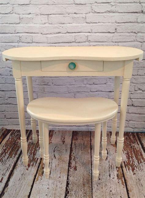 Kidney Shaped Vanity Stool by Vintage Kidney Shaped Desk Vanity Stool Knob Vanity