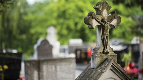 catholic funeral traditions planning and understanding the catholic funeral