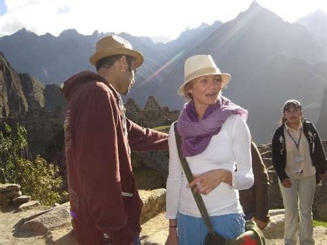 Cameron Diaz Offends Peruvians by Faces At Machu Picchu Peru For Less
