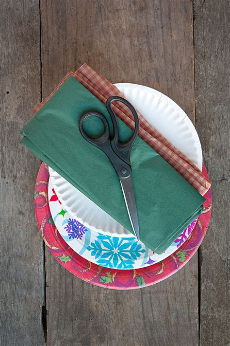 holiday diy paper plate cookie boxes party inspiration