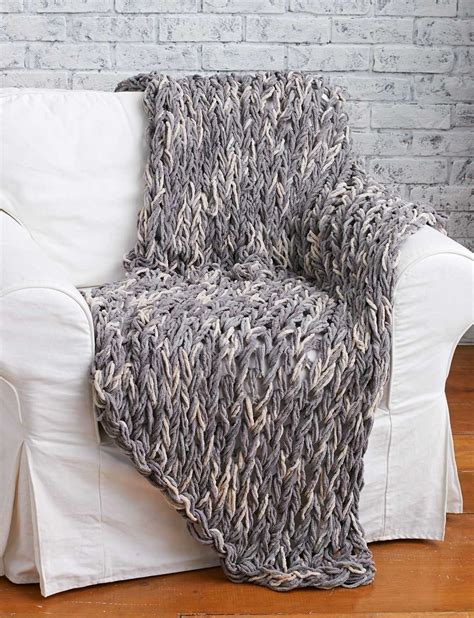arm knit blanket pattern arm knit blanket tutorial and giveaway arm knit blankets