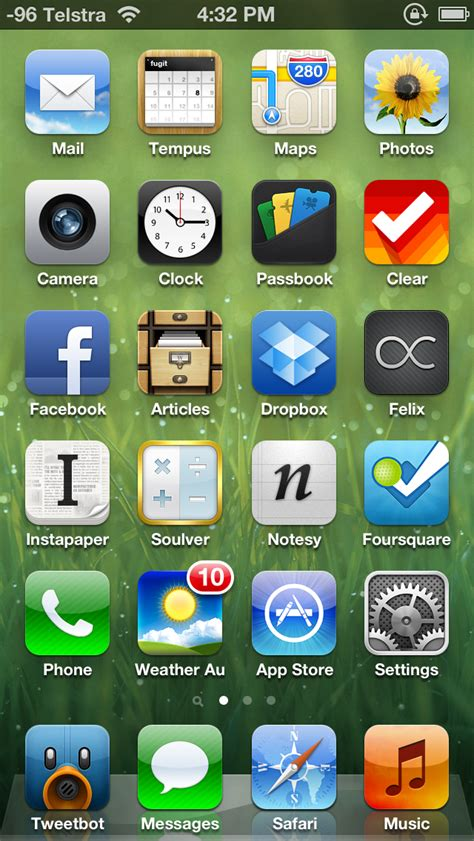 my iphone 5 homescreen benny s bling