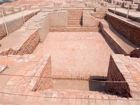 great bathtubs च त र great bath view mohenjodaro jpg व क प ड य