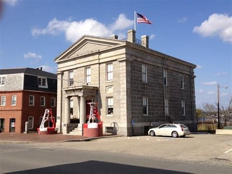 Customs House Museum by Custom House Maritime Museum Museum 25 Water St In Newburyport Ma Tips And Photos On Citymaps