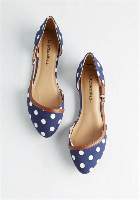 i this style shoe as as the heel was flat or less than 1 inch the toes are just right