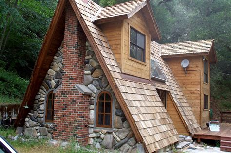 so triangle houses are cool photo gallery clutter magazine