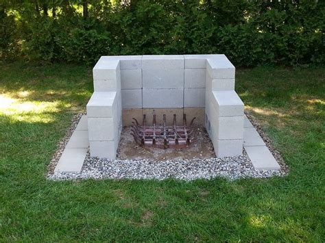 Outdoor Fireplace Cinder Block by 25 Best Ideas About Cinder Block Pit On