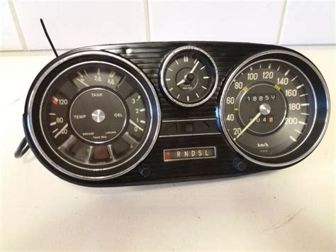 mercedes dashboard clock dashboard clock mercedes 108 automatic 1960s catawiki