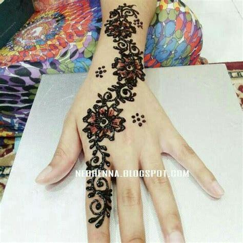 design henna unik 12 corak lukisan inai bertemakan syawal dari 6 pelukis