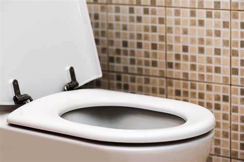 Musty Or Smoky Smell 7 House Smells Not To Ignore Bathroom Smells Like Mold