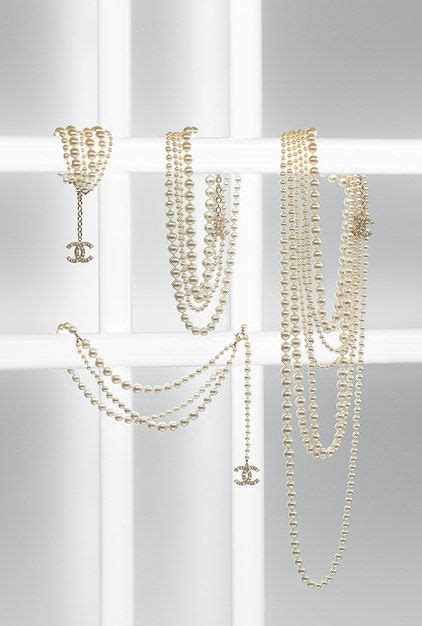 Trend Alert And Lean Pearls by 13 Best Trend Alert Layered Station Necklaces