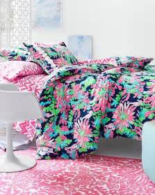 Lilly Pulitzer Bedding Sets Lilly Pulitzer 174 Florals Duvet Cover Collection In Sippin And Trippin Paired With Our
